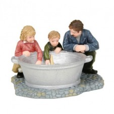 """Figurine """"Playing With Boat"""" - LUVILLE"""