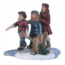 "Figurine ""Children Ice Skating"" - LUVILLE"